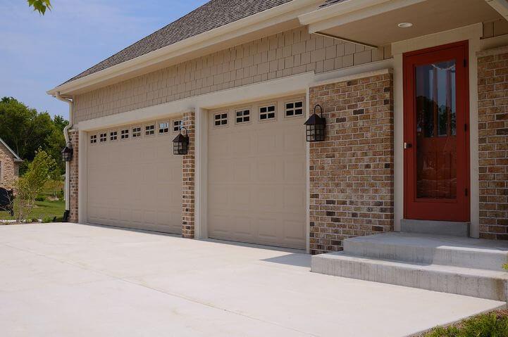 Raised Panel 2283 By C H I Overhead Doors